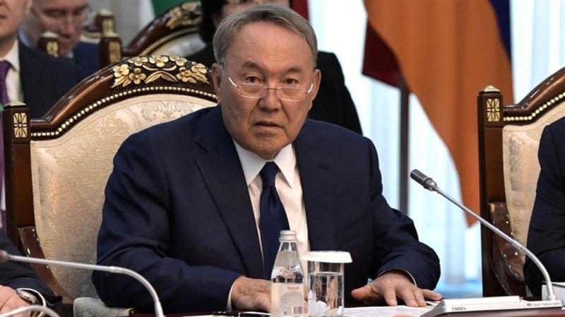 На саммите ШОС Назарбаев предложил снизить риски валютной зависимости