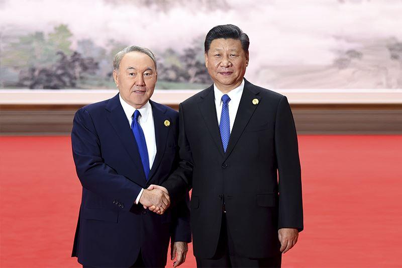 Нұрсұлтан Назарбаев Си Цзиньпиннен қандай сыйлық алды?