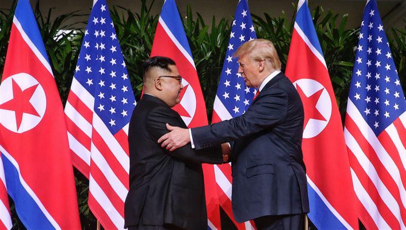 Трамп и Ким Чен Ын встретились в Сингапуре