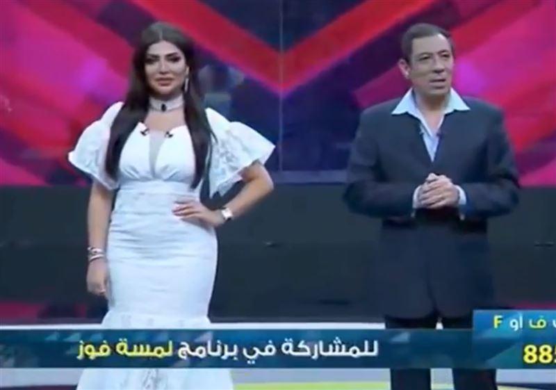 Из-за нескромного платья телеведущая потеряла работу во время прямой трансляции