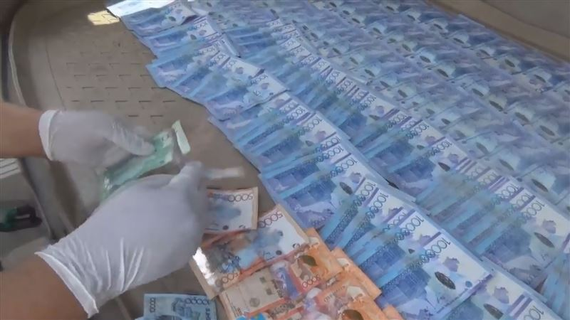 В Таразе на взятке в 2 миллиона тенге был пойман заместитель начальника колонии