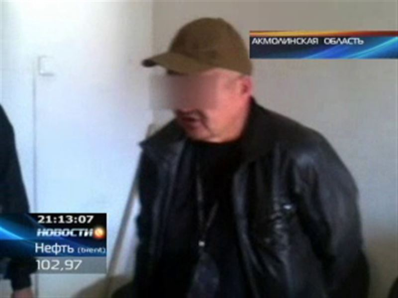 В Кокшетау вооруженный мужчина пытался прорваться к начальнику налогового комитета