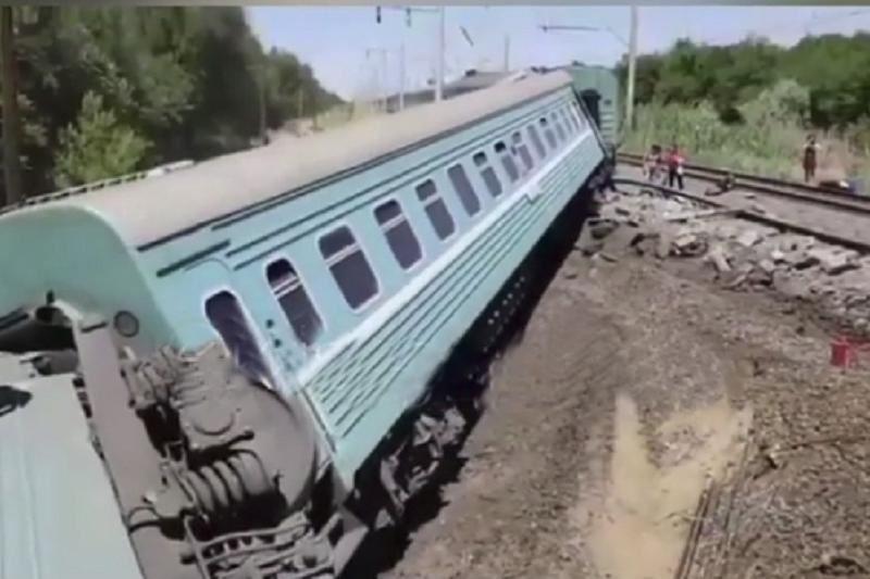 ВИДЕО: Астана-Алматы бағытындағы пойыз апатқа ұшырап, бір жасөспірім мерт болды