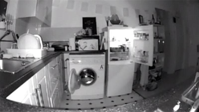 Мужчина снял паранормальное явление в доме после смерти бабушки