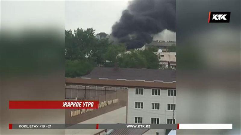 В Алматы из-за пожара пришлось эвакуировать сто человек