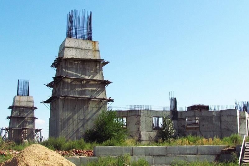 ВИДЕО: 10 жыл бойы асыға күткен орталық мешіттің құрылысы қайта жанданды