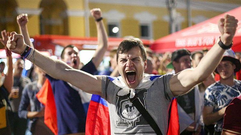 Россия празднует победу над египтянами в матче ЧМ-2018