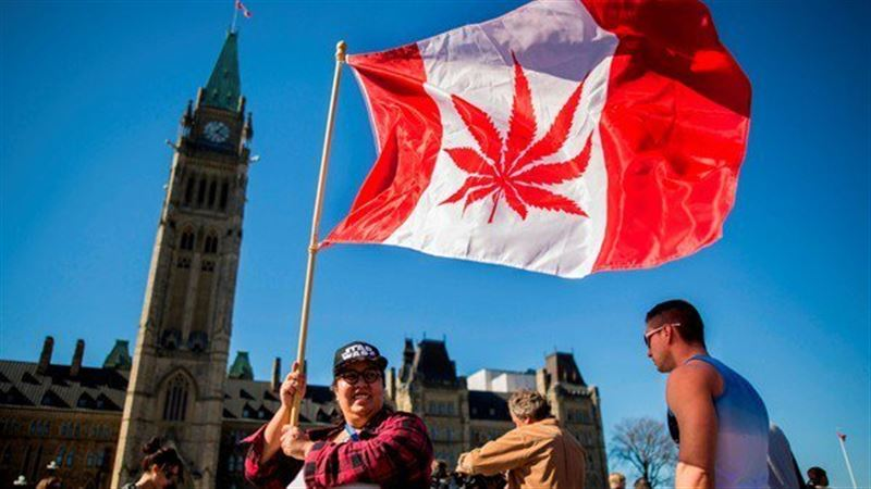 В Канаде одобрили легализацию марихуаны