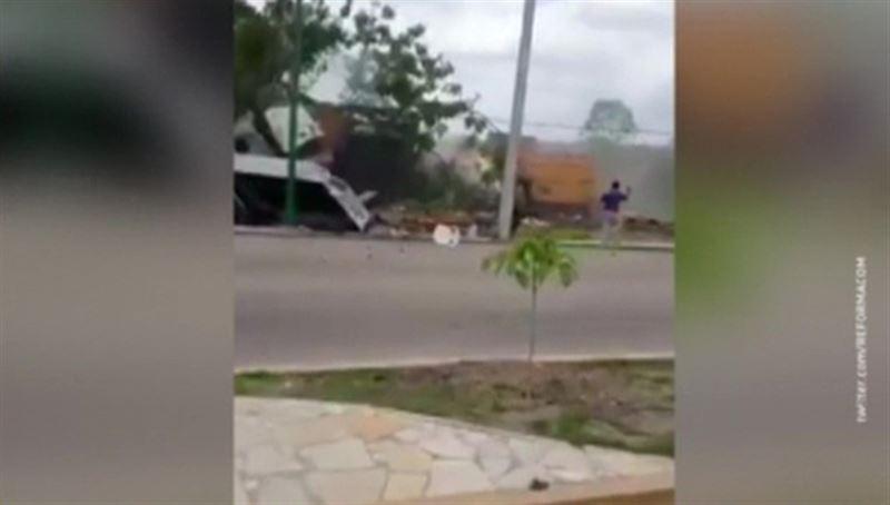В Мексике грузовик врезался в группу людей. Есть погибшие