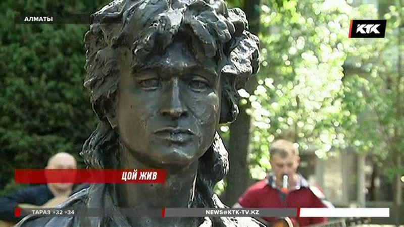 На знаменитой Тулебайке появился памятник Виктору Цою