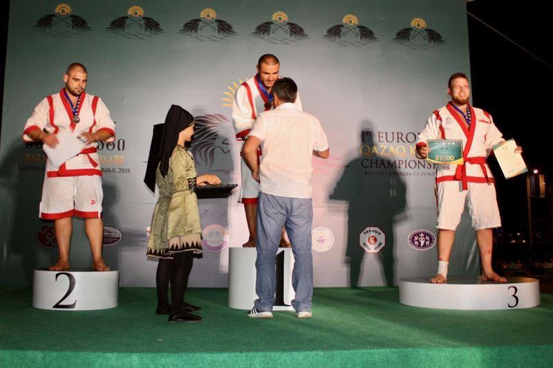 ФОТО: Грузияда қазақ күресінен Еуропадағы үздік палуан анықталды