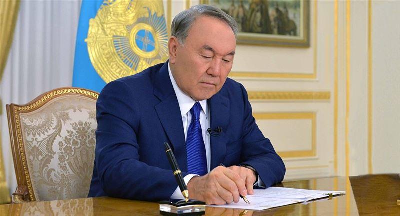 Нурсултан Назарбаев присудил премии и гранты в области СМИ