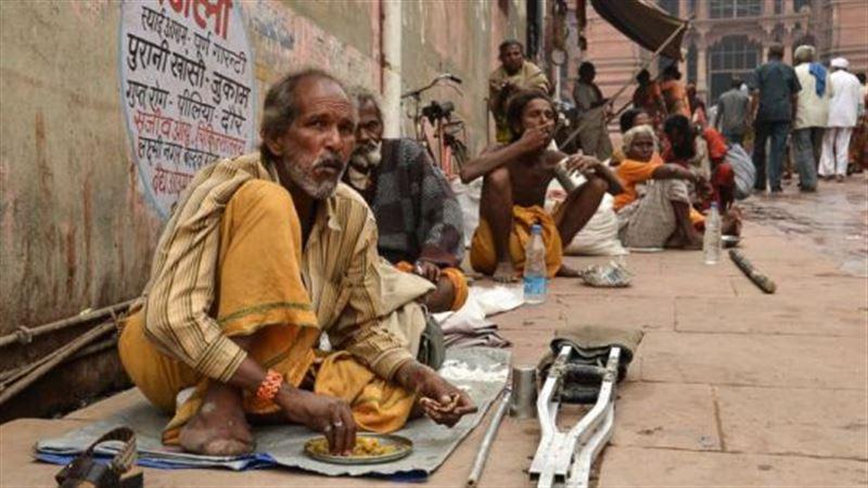 Из-за фейковой новости в WhatsApp на улицах Индии начали избивать нищих