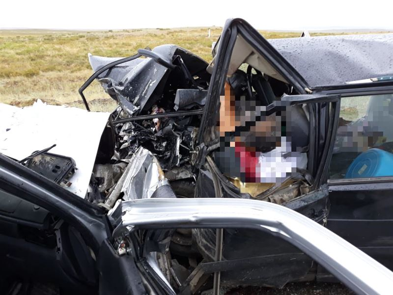 ВИДЕО: ШҚО-да жантүршігерлік жол апатынан төрт адам қаза тапты