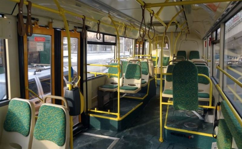 Қызғаныштан көңілдесін автобуста пышақтап тастаған