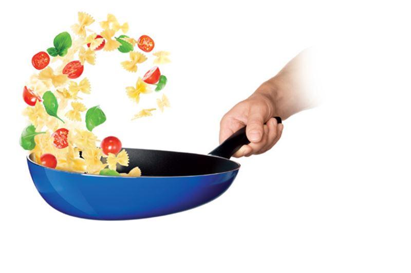 Ученые рассказали о смертельной опасности антипригарной посуды