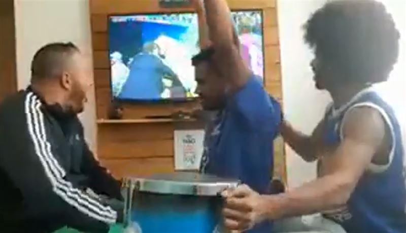 Радость слепоглухого болельщика попала на видео