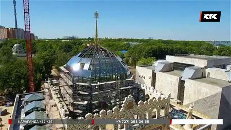 Казахстанскому павильону на ВДНХ вернули исторический шпиль