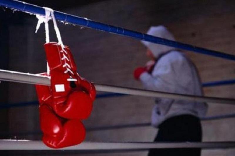 Қазақстандық қос боксшы Ресейде жекпе-жек өткізеді
