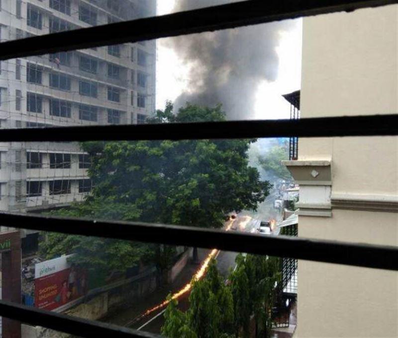 В Мумбаи разбился легкий пассажирский самолет. Есть погибшие