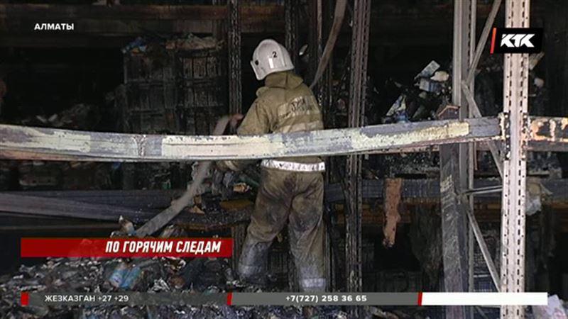 Выгорело 17 тысяч квадратов: в пепел превратился складской комплекс в Алматы