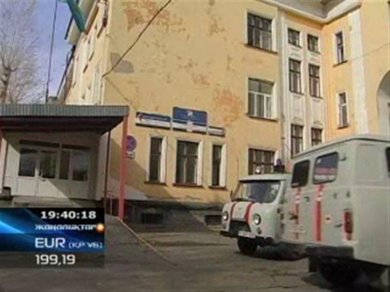 В Усть-Каменогорске студент, который попытался перерезать горло своему сверстнику, явился с повинной