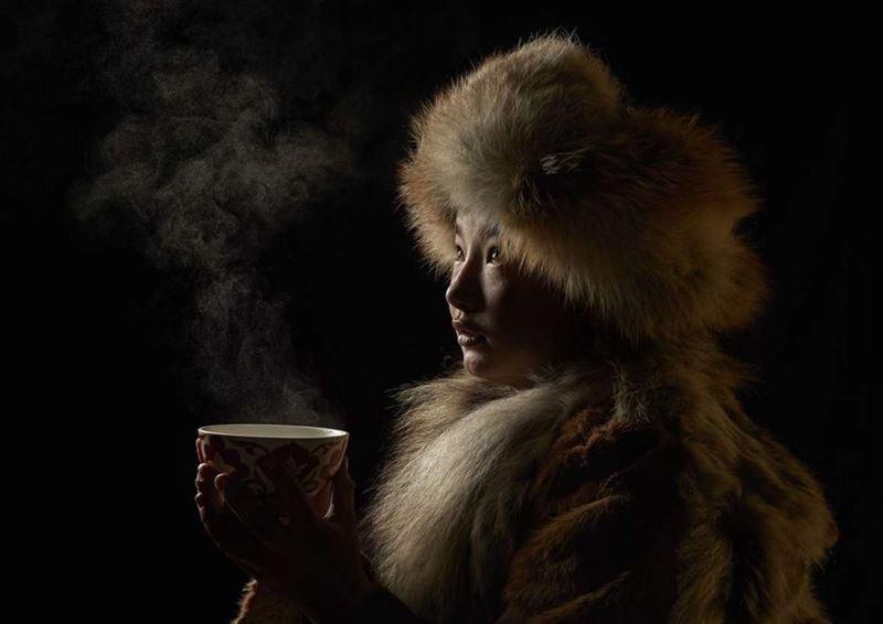 Победителем конкурса National Geographic стал потрет казашки из Монголии