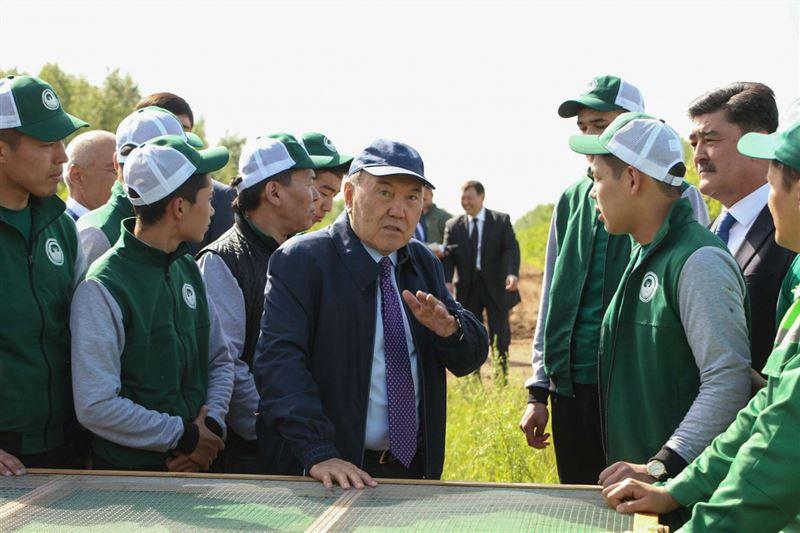 ФОТО: Нурсултан Назарбаев посетил зеленый пояс Астаны