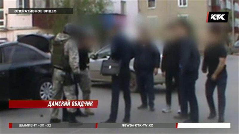 В Кокшетау арестовали сутенера, похищавшего девушек