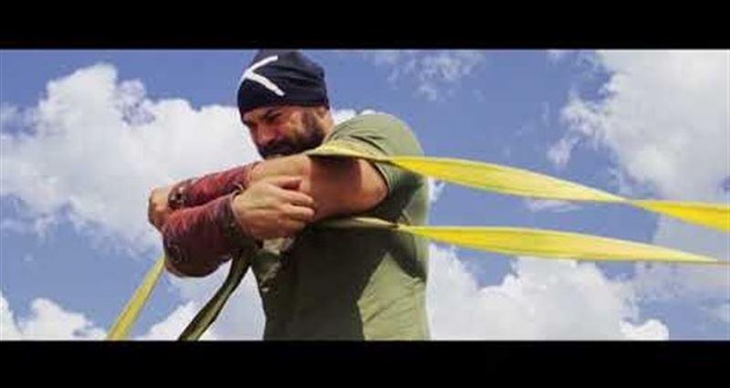ВИДЕО: Қазақстандық балуан екі ұшақпен күш сынасып, рекорд орнатты