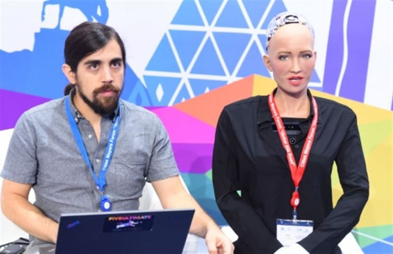 Робот София подчеркнула, что Астана является ультрасовременной столицей Казахстана