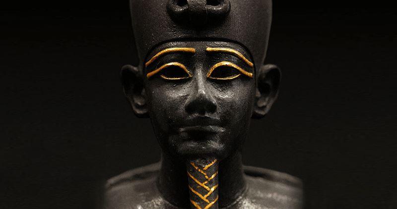Археологи нашли статую бога в первой пирамиде Древнего Египта