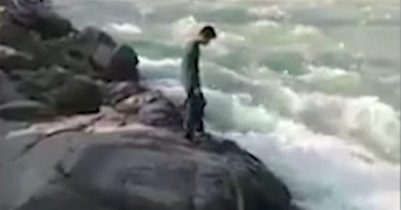 ВИДЕО: Қорқынышын жеңбек болған жігіт суға батып кеткен