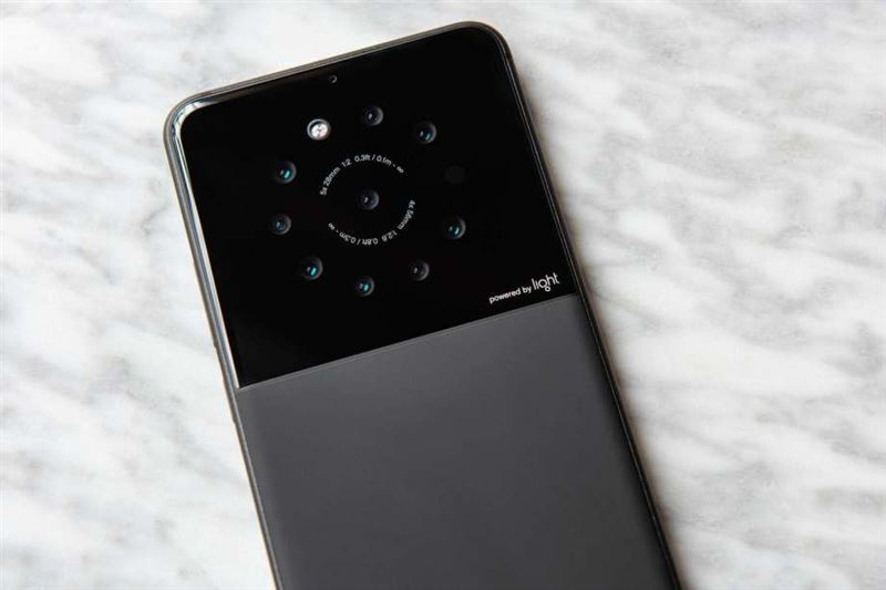 Тоғыз камералы смартфон жарыққа шықты
