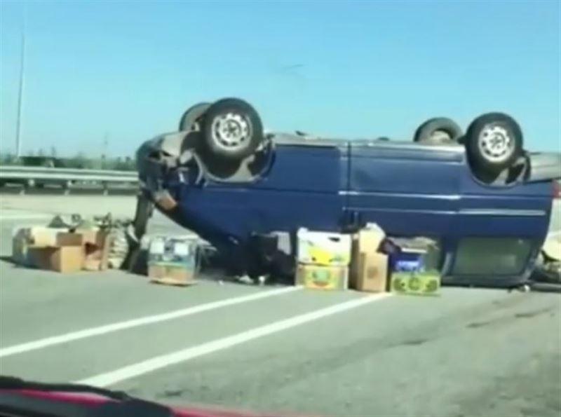 Авария с участием трех машин произошла на трассе Астана – Бурабай