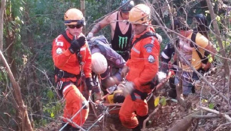 Сердечный приступ едва не стал причиной смерти экстремала, прыгнувшего со скалы