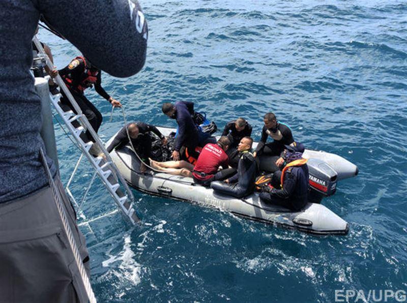 До 44 возросло число жертв кораблекрушения в Таиланде