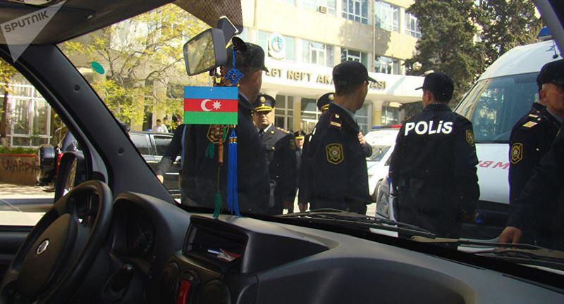 В Азербайджане в ходе беспорядков погибли двое полицейских