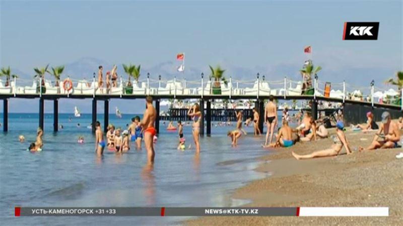 200 тысяч казахстанцев выехали за границу