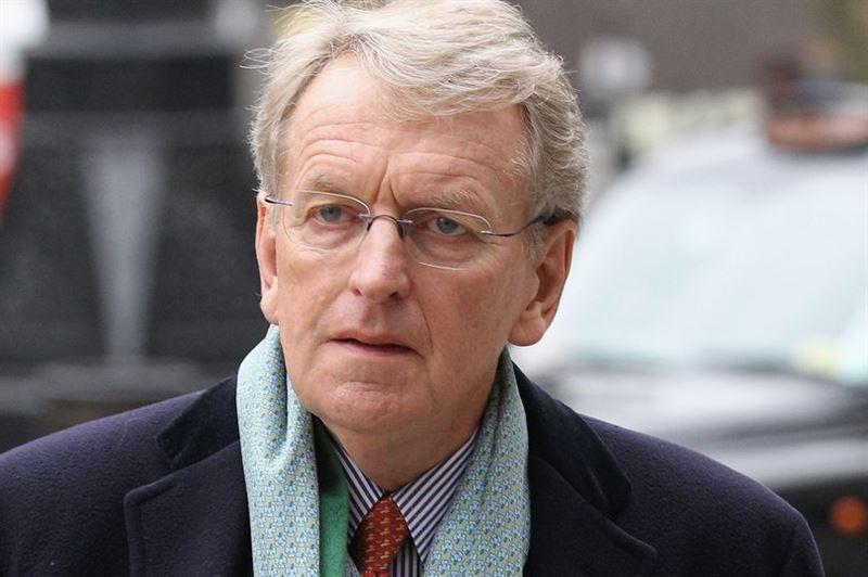 Бывший британский посол госпитализирован после жестокого избиения в метро Лондона