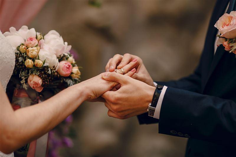 Что мешает девушкам выйти замуж до 30 лет?