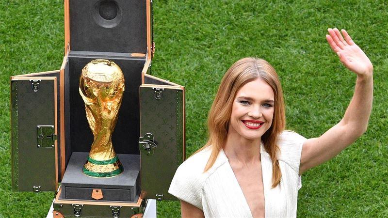 Водянова и Лам вынесут чемпионский кубок на финал ЧМ-2018