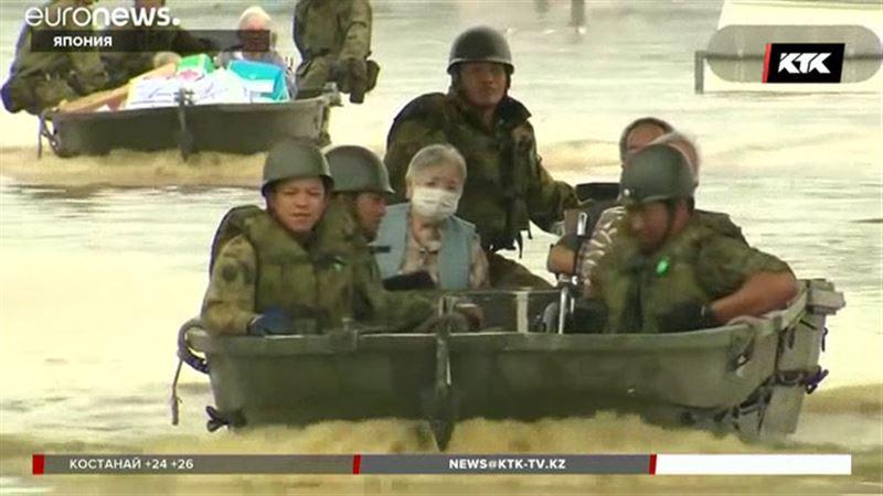 Число жертв наводнения в Японии превысило 200 человек