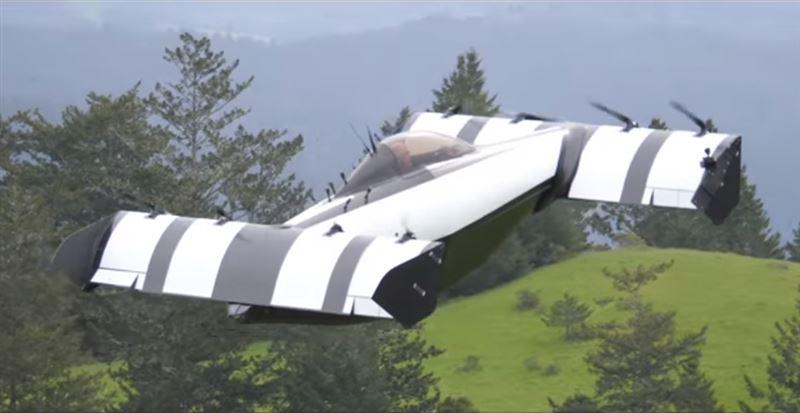 В США прошли испытания летающего одноместного автомобиля
