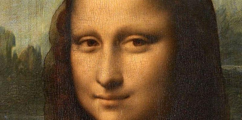 ФОТО: Мону Лизу в Лувре одели в футболку сборной Франции