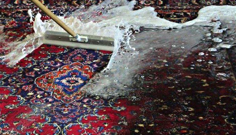 В Астане 43-летняя женщина и двое ее дочерей утонули в канале во время стирки ковра