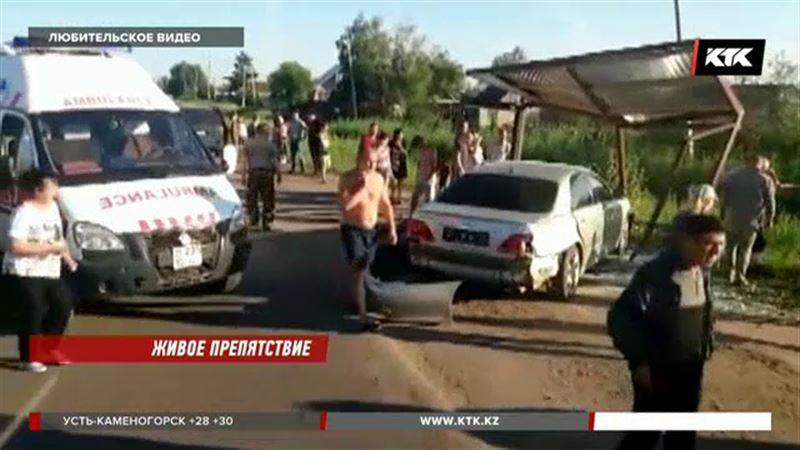 Петропавловского водителя, который сбил людей на остановке, задержали