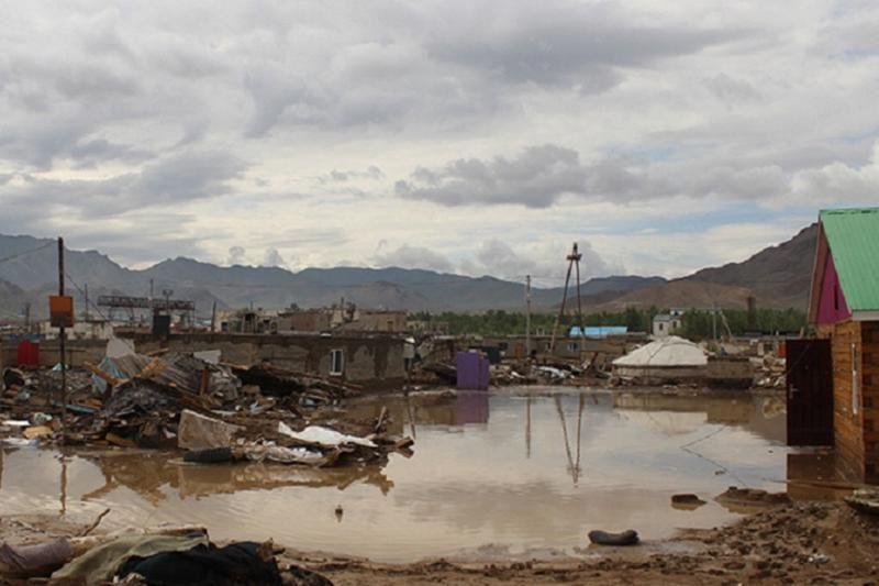 ФОТО: Баянөлгейде су тасқынынан 170 отбасы зардап шекті