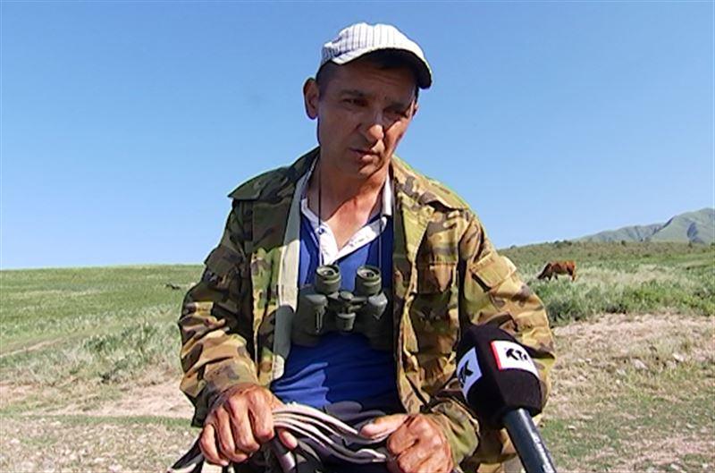 Пастух заявляет, что не угрожал ножом пропавшему в горах мальчику