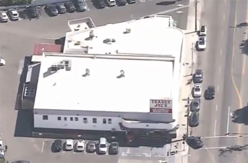В Лос-Анджелесе задержали преступника, взявшегося заложников в супермаркете